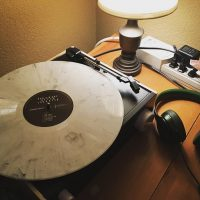 Can You Listen To Vinyl With Headphones?